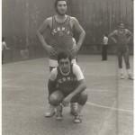 1975 TORNEO exjugadores Lizarralde, Uranga, al fondo Rubio